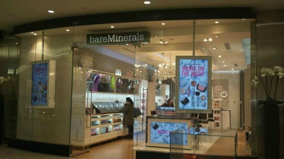 bareMinerals open at Jubilee Place, Canary Wharf - Lewis Craig